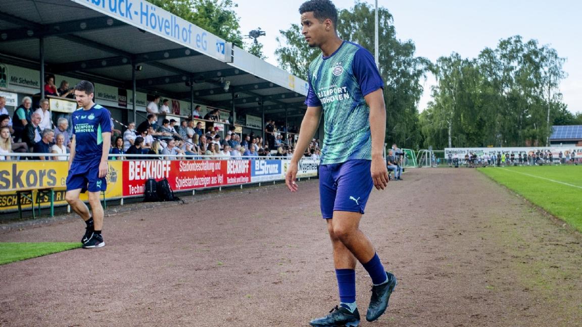 Ihattaren With Van Bommel To Wolfsburg It Just Might Lfotv Net