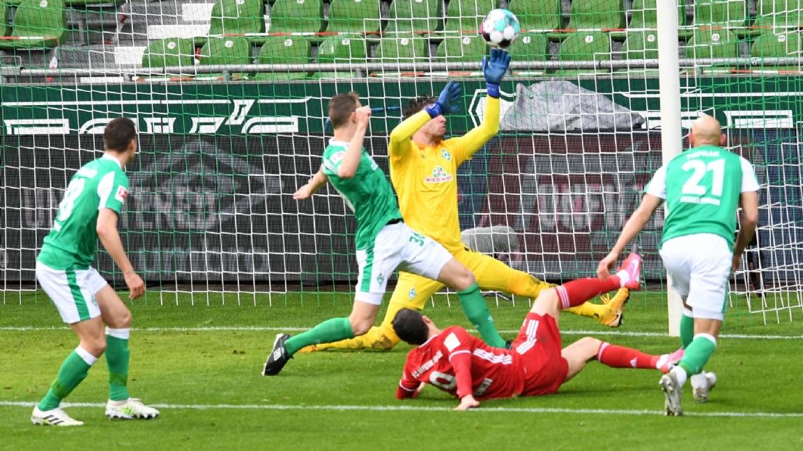 Lewandowski bereikt nieuwe mijlpaal; Weghorst pijnigt Schalke 04 - Voetbalzone.nl