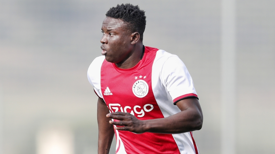 Hassane Bandé doet zijn verhaal: 'Niet leuk hoe Ajax mij behandelde' - Voetbalzone.nl