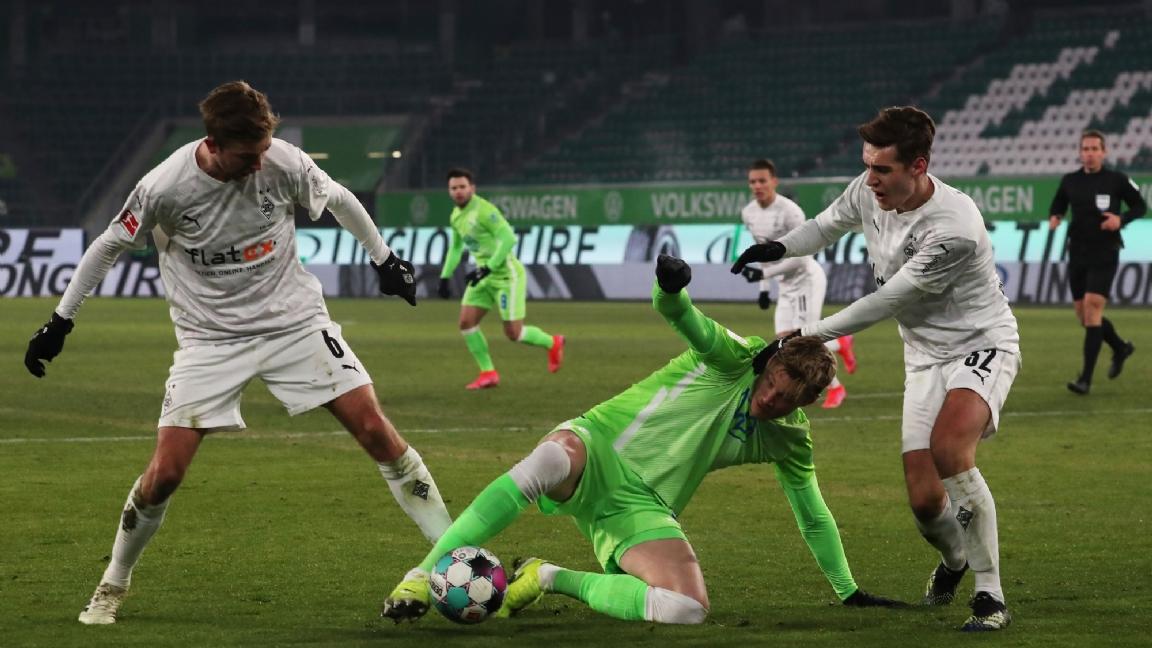 Frustrerende avond voor Wout Weghorst en VfL Wolfsburg - Voetbalzone.nl