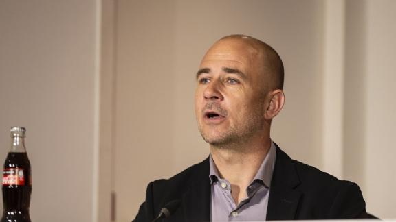 Thijs Slegers: 'Ik ben doodziek, dat komt niet goed zonder hele forse ingrepen' - Voetbalzone.nl