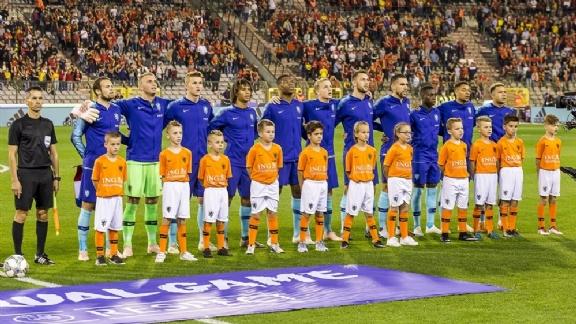 Oranje raakt tweevoudig international mogelijk kwijt aan moederland - Voetbalzone.nl