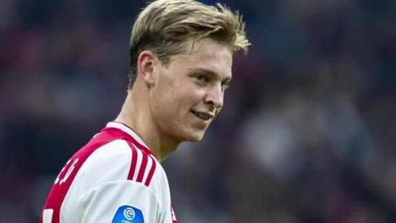 4f48e8639a1 Ajax maakt via de officiële kanalen bekend dat de 21-jarige middenvelder  aan het einde van het seizoen de overstap naar Barcelona maakt en ...