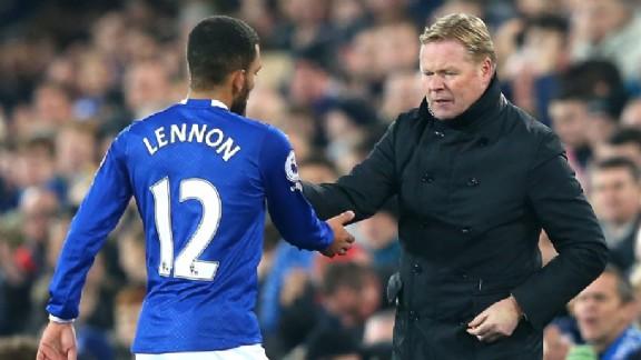 5b538a1d2c6d Er gloort licht aan het einde van de tunnel voor Aaron Lennon. De  dertigjarige aanvaller van Everton werd twee maanden geleden in verwarde  toestand ...