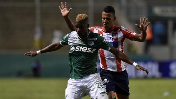 f830cb87917 Ajax heeft een nieuwe rechtsback uit Colombia aangetrokken. Deportivo Cali  maakt althans via de officiële kanalen bekend dat Luis Manuel Orejuela voor  een ...